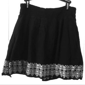 Old Navy mini skirt with embroidered bottom